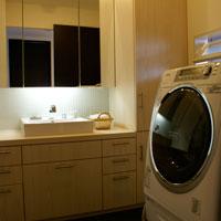 大容量収納の洗面台