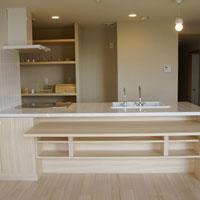 カウンターが収納できる対面キッチン